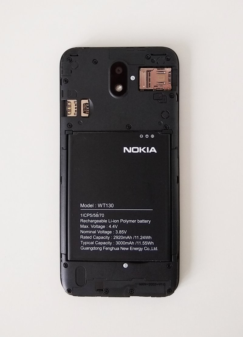 Nokia 1.3, back cover off
