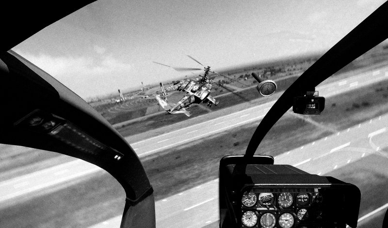 Helicopters fighting, b&w