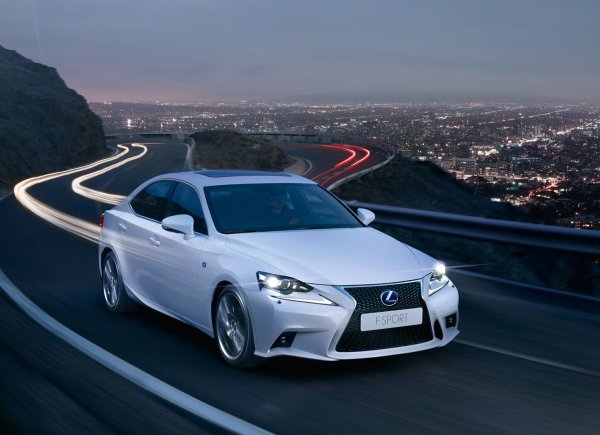 Lexus Is 300h Review All Glitter But No Gold