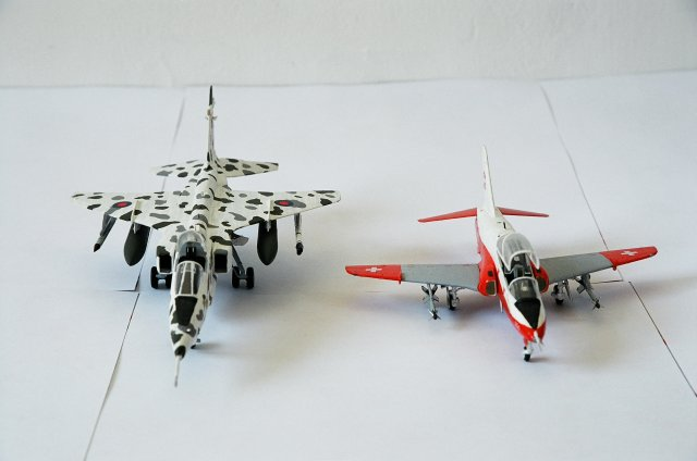 Hawk Jaguar side by side 1